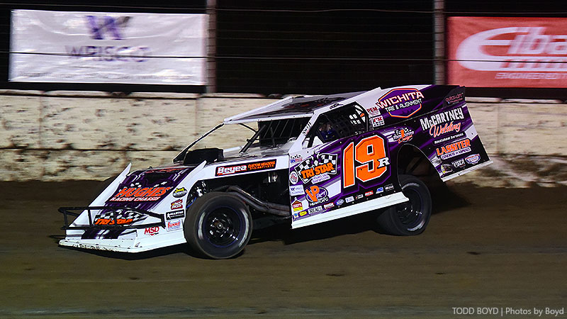 Gustin turns top qualifying effort Thursday at King of America IX